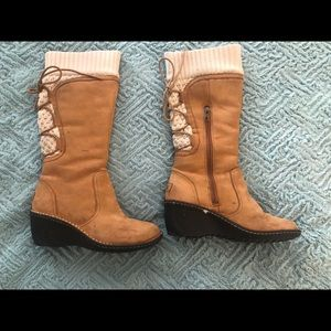 Uggs suede boots